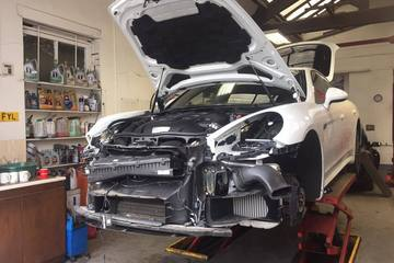 Panamera accident damage